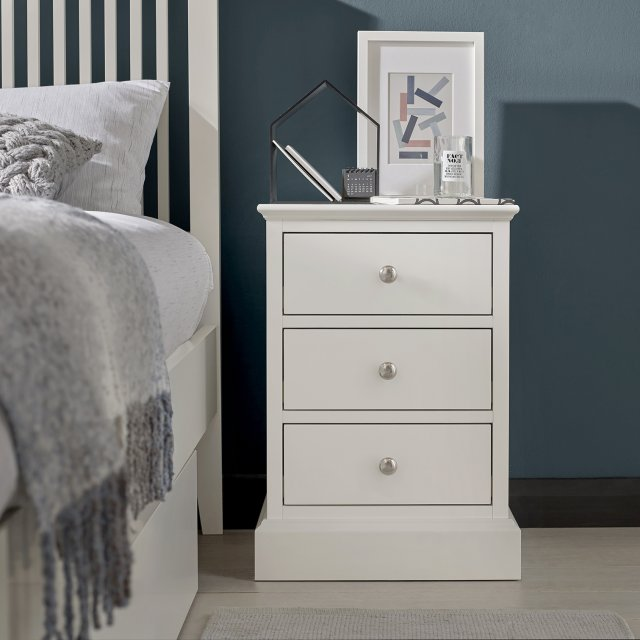 Premier Collection Ashby White 3 Drawer Nightstand