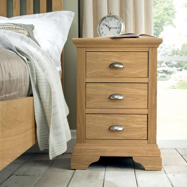 Premier Collection Hampstead Oak 3 Drawer Nightstand